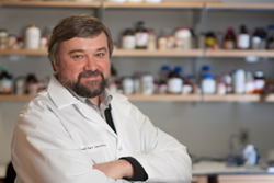 Dr. Andrei Gudkov in his lab at Roswell Park Cancer Institute