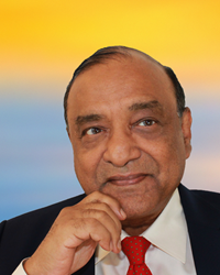 "Raaj K. Sah, Professor of Public Policy and Economics, at the University of Chicago, Harris School of Public Policy, has been awarded the ""Order of the Rising Sun, Gold Rays with Neck Ribbon"" by the Government of Japan"