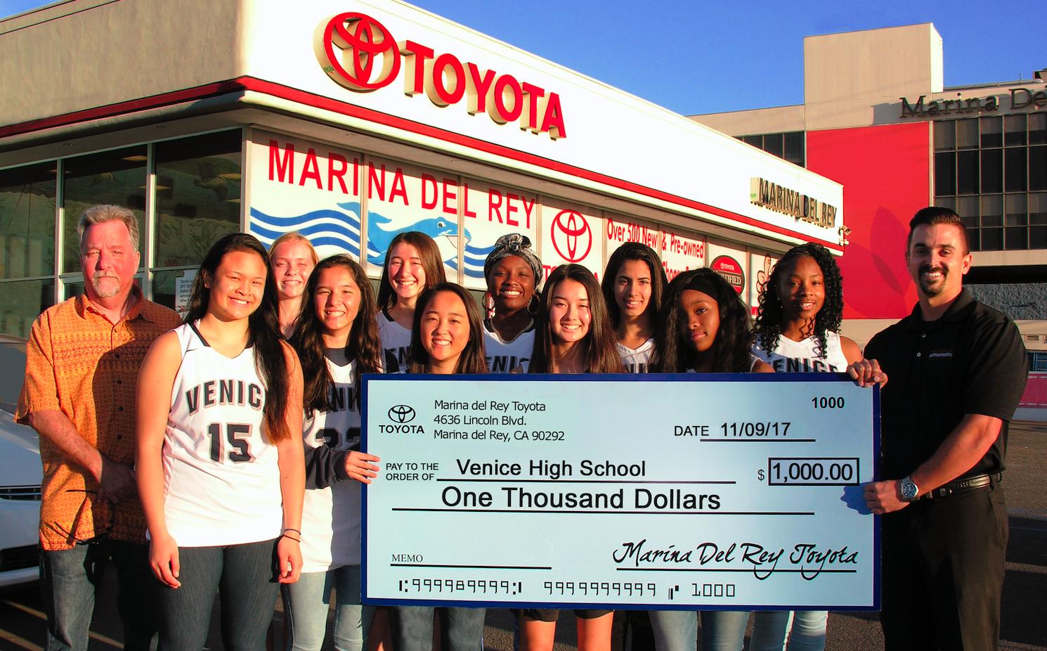 Marina Del Rey Toyota Sponsors Local High School Basketball Team
