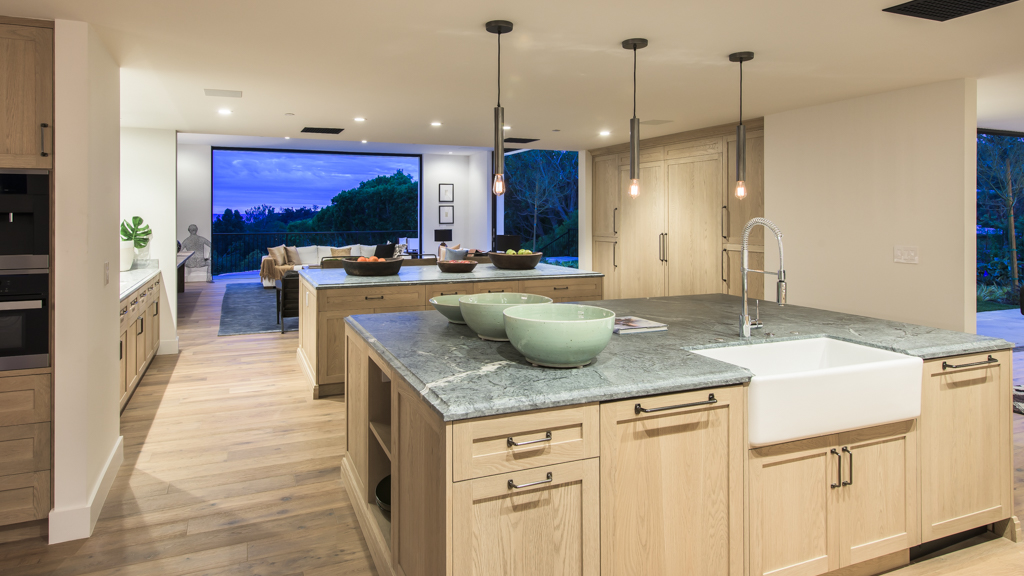 Mandeville canyon mansion hits the market for Kitchen in the canyon