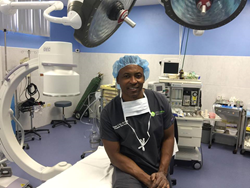 Renowned Orthopedic Surgeon Professor Dr. Kingsley R. Chin Performs Outpatient Non Fluoroscopy ACDF Cases in Record Time