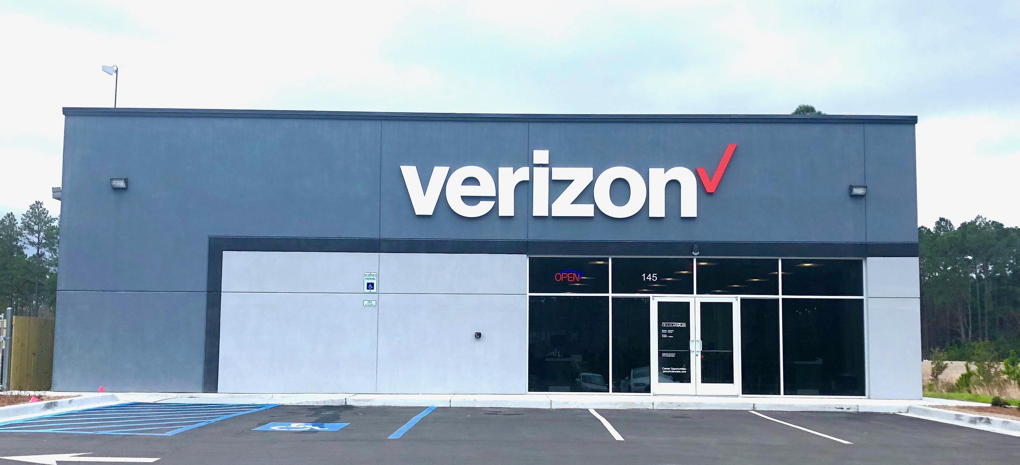 Cellular Sales Opens Store in Okatie