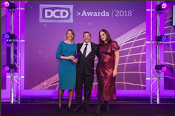 Quality Uptime Services presents HPE with DCD Global Award