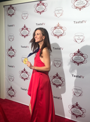 Wine Oh TV's Monique Soltani Accepts TASTE AWARD for Best Drink or Beverage Program