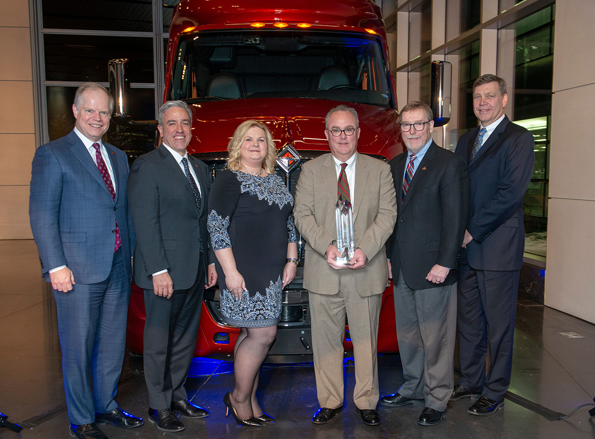 Chicago Industrial Fasteners Receives 2018 Navistar Diamond Supplier