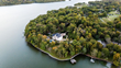 Celebrity Homes: Kelly Clarkson's Tennessee Lakefront Mansion Is For Sale
