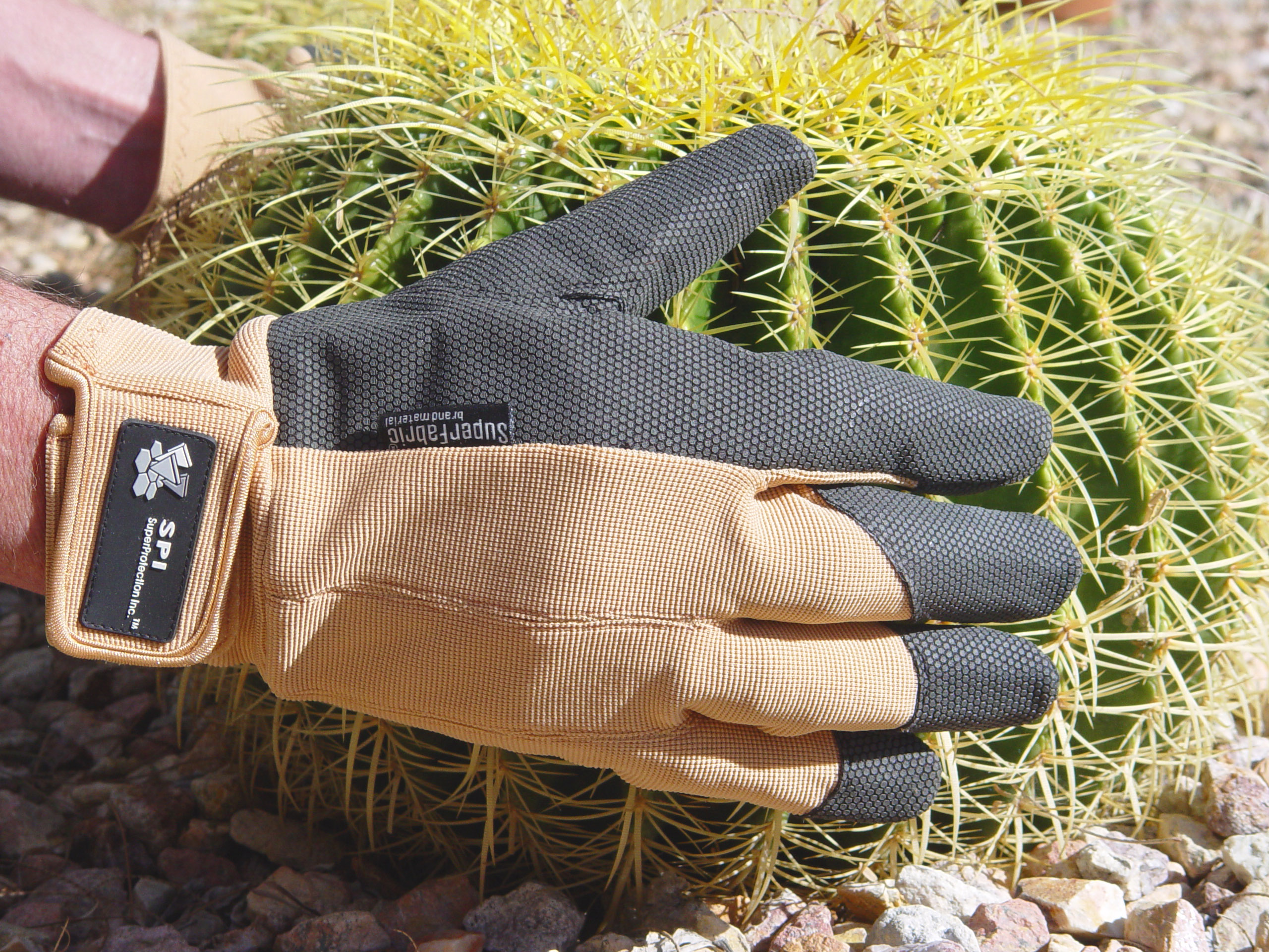 Exceptionnel The First Truly Thorn Resistant Glove For Rose Lovers