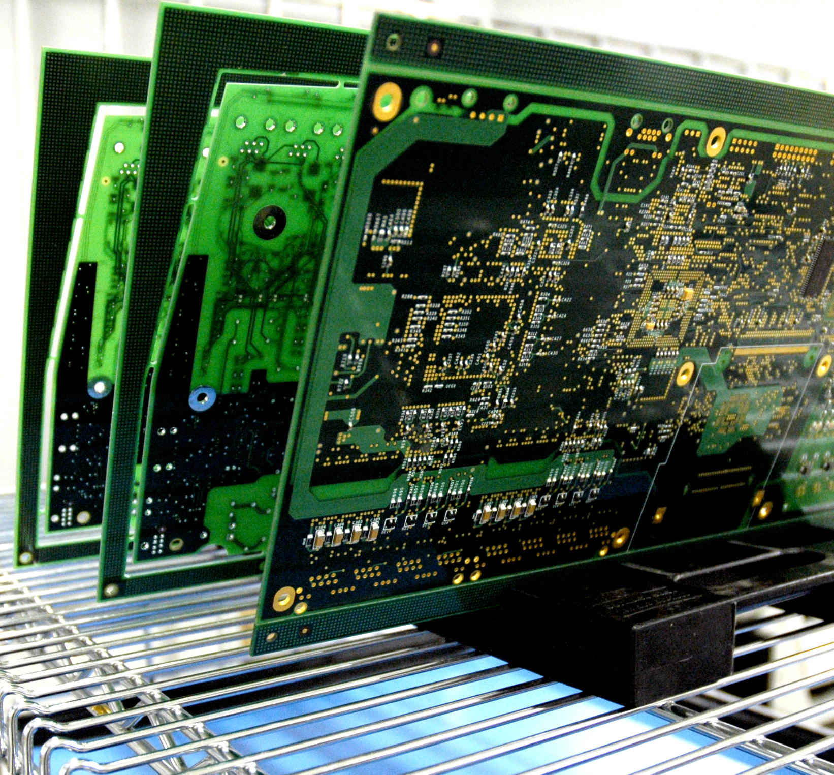 Federal Electronics Introduces Fully Integrated Ems Solution For Electronic Circuit Key That Uniquely Combines Four Production Processes Fiber Interconnect Copper Mixed Technology Printed