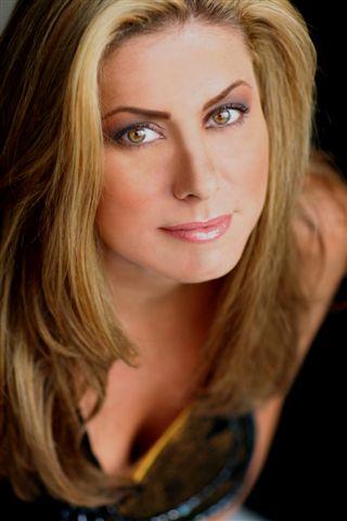 E S Kill Reality Superstar Toni Ferrari Shops Her Own Television Series