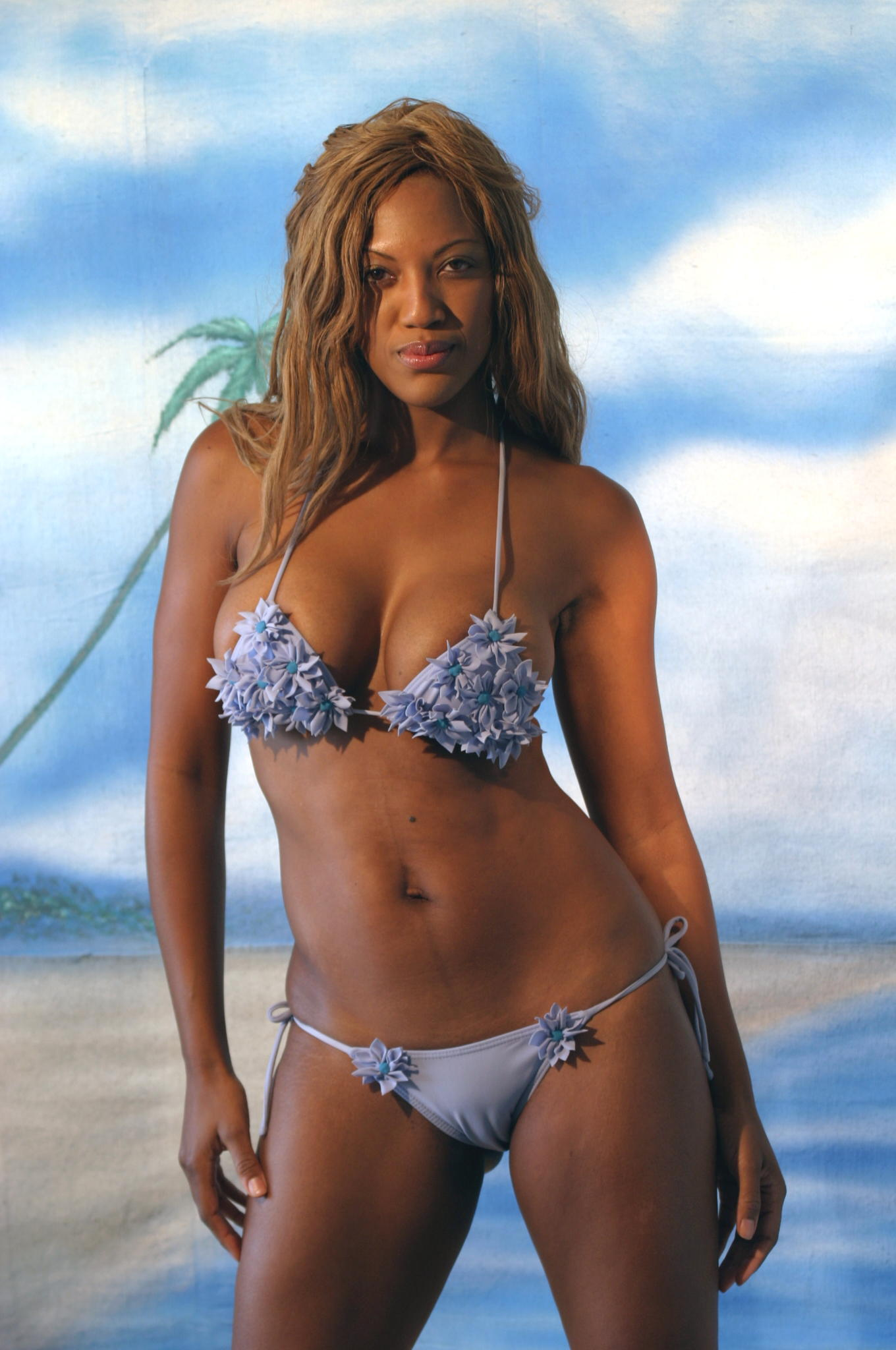 Poorman bikini beach girl naked — img 2
