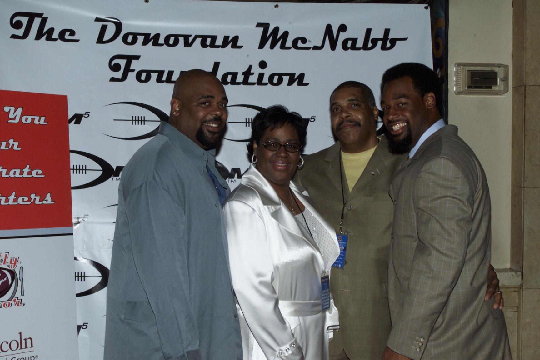 Leading Nfl Quarterback Donovan Mcnabb Partners With Novartis
