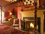 Pamper her with the gift of a romantic getaway from BedandBreakfast.com