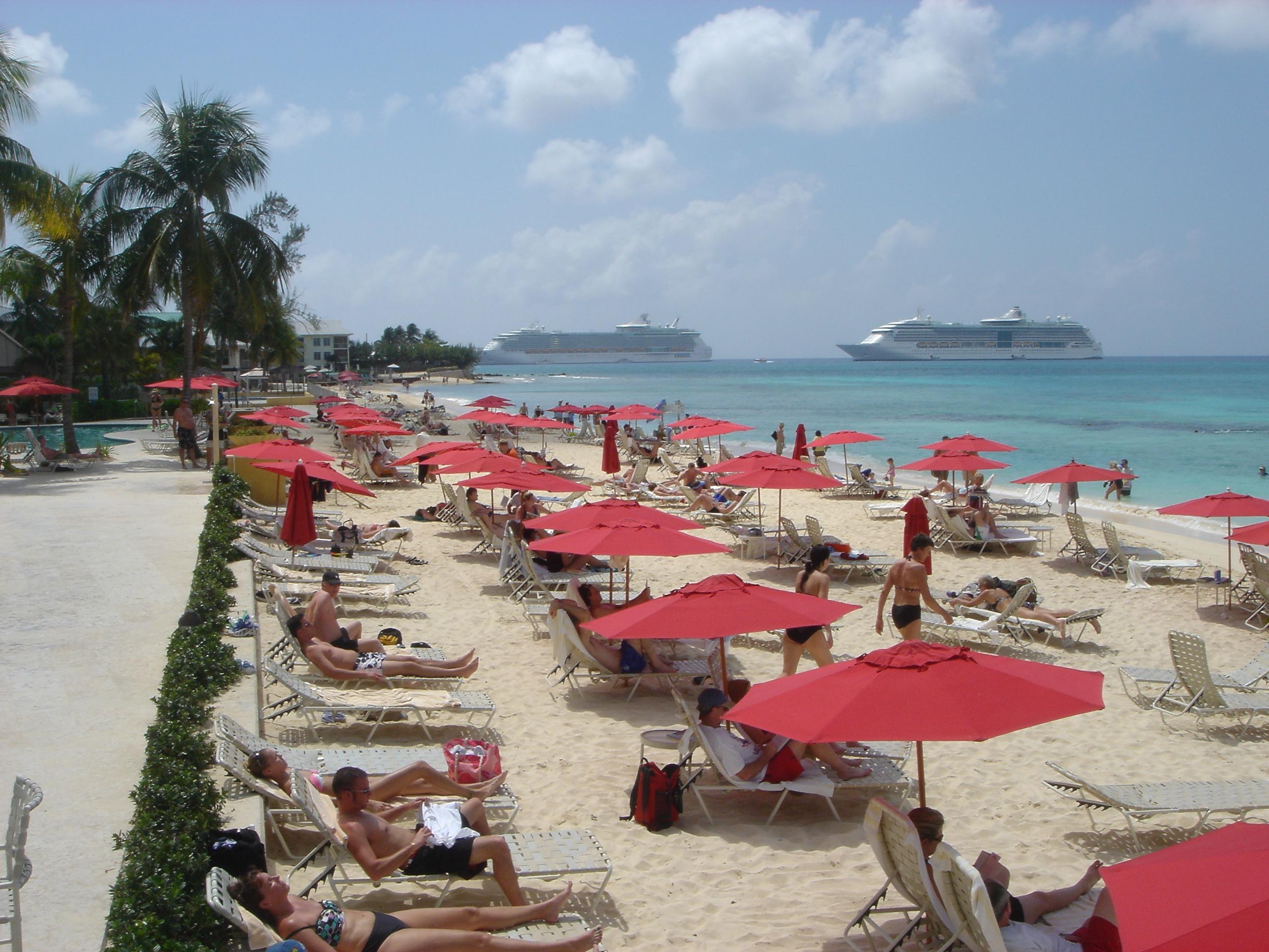 Grand Cayman Marriott Beach Resort Leads Successful Beach