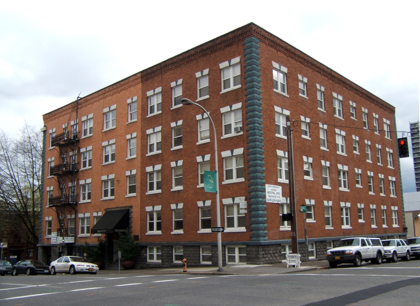 Hfo Investment Real Estate Brokers Sale Of Four Oregon Apartment