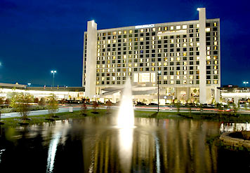 Luxury Hotel Near Chicago Experience Greatness At Renaissance Schaumburg