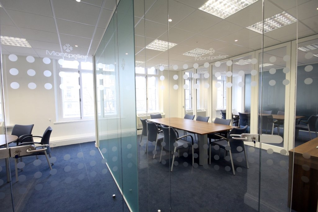 Glass Partitionoveable Scrfeensthe Moveable Partitions Gave A Sophisticated Look And Enabled Flexible Conference Room Configurations