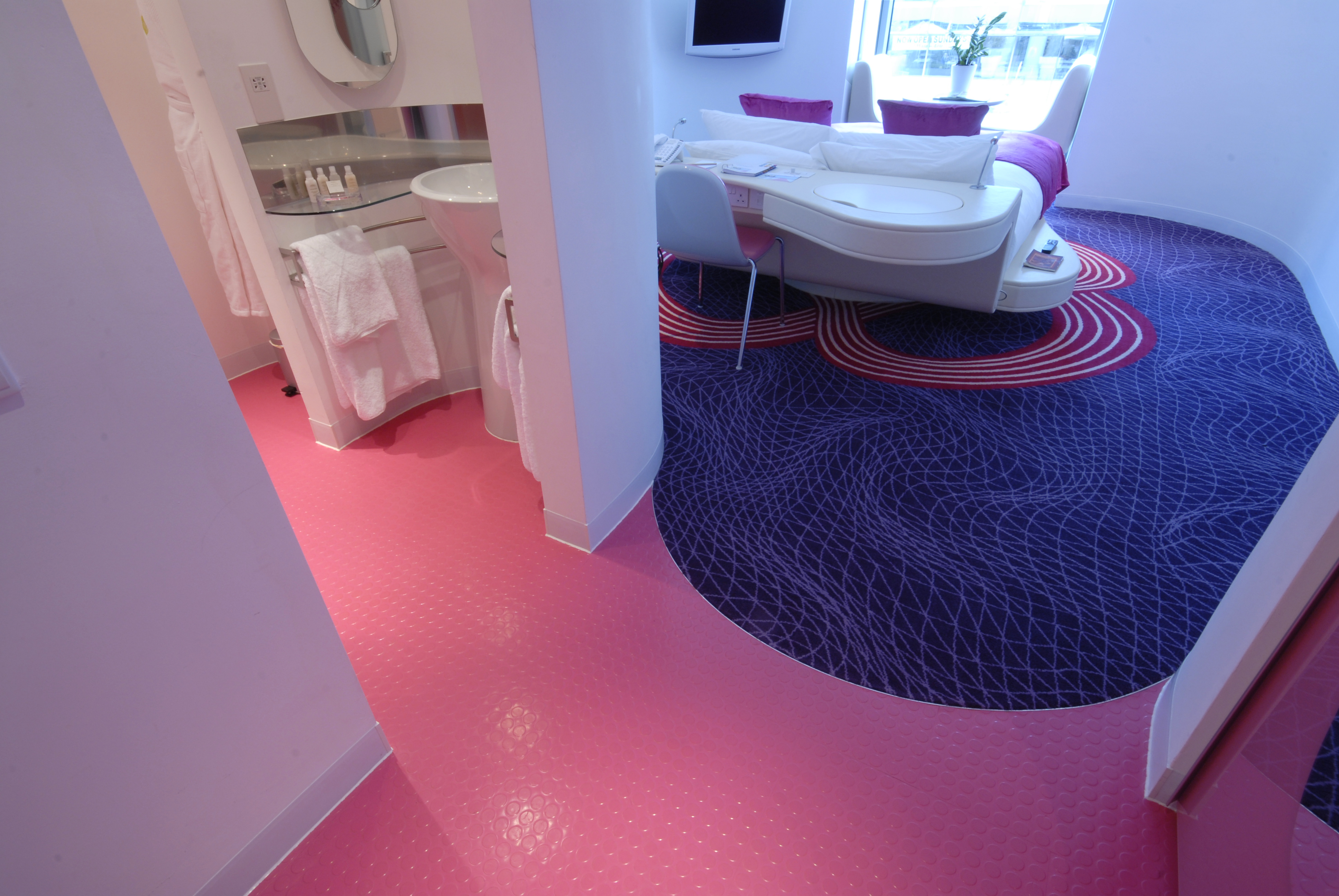 myhotel Brighton Lays On the Style With The Rubber Flooring ...