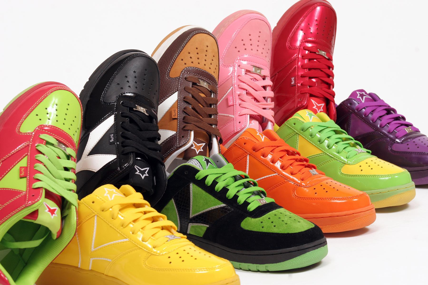 Sean Kingston Signs Exclusive Sneaker