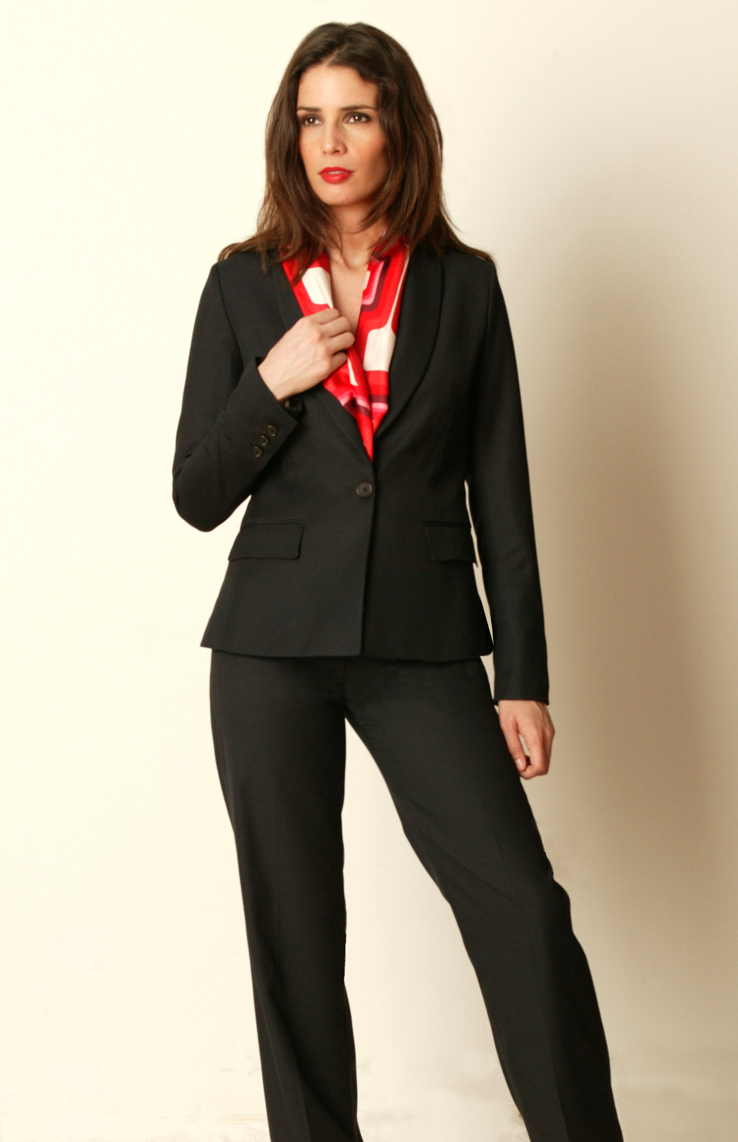 Moi-Meme Announces Spring/Summer Collection of Custom-Tailored Suits and Career Clothing for