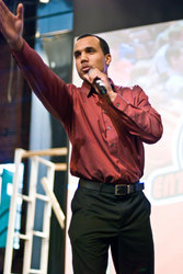Tour Emcee, Arel Moodie, addressing the audience