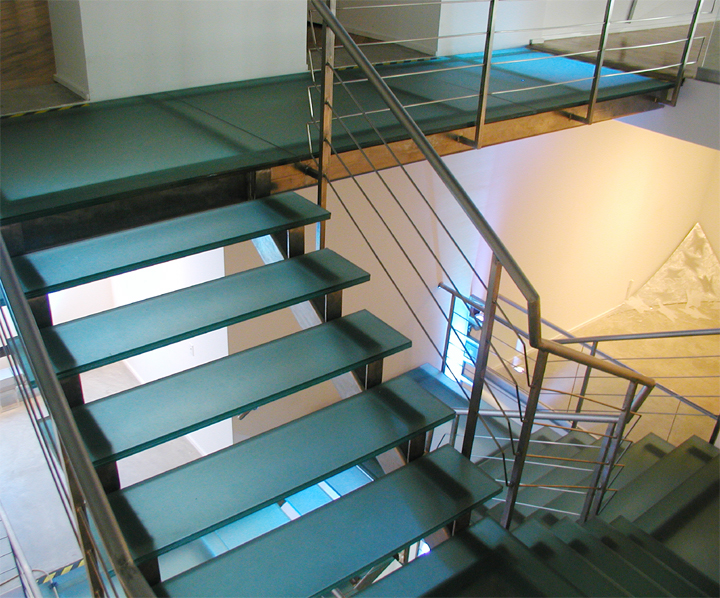 ... Museum Glass Treads Edge Lit Glass Stairs ...