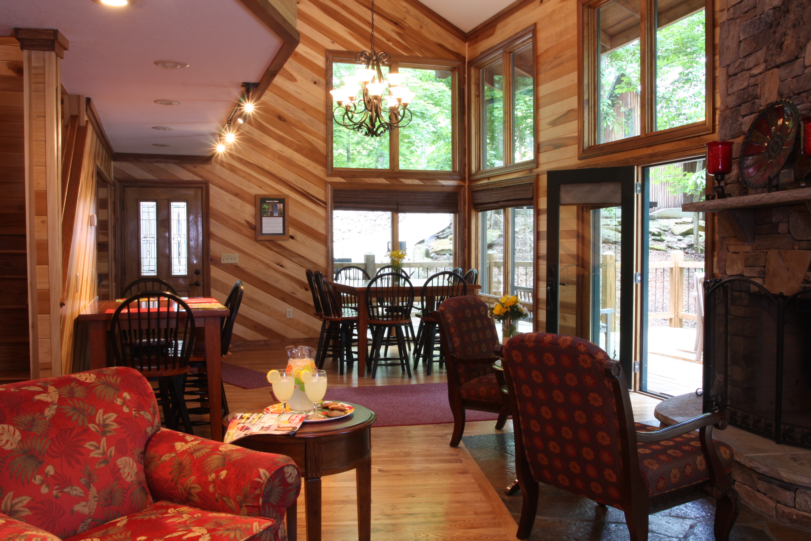 Sunset Marina on Dale Hollow Lake Announces Lakefront Vacation Cabin