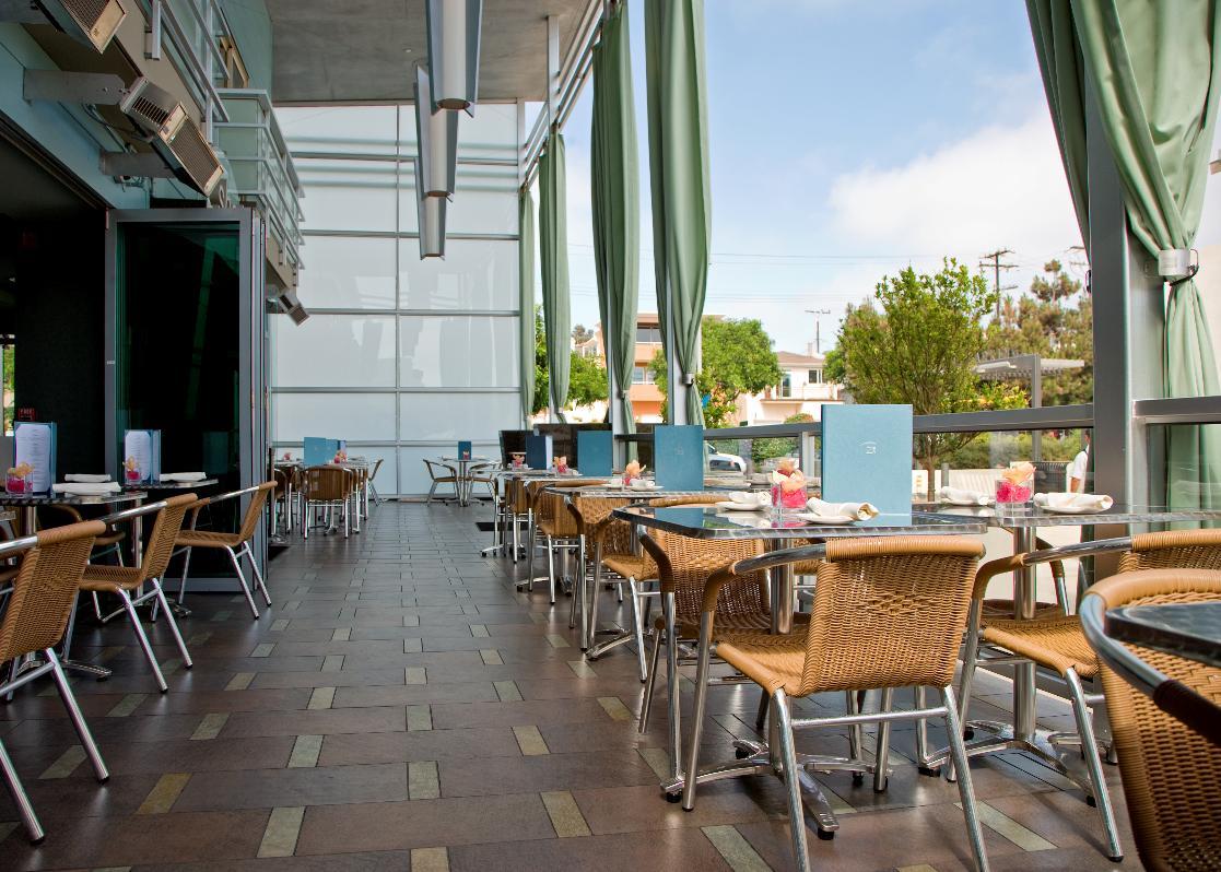 Shade S Lounge And Restaurant Zincenjoy Complimentary Beach Breakfast Buffet Each Morning On The Zinc Terrace