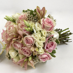 do it yourself wedding flowers arranged wedding flowers another sound solution to do 3630
