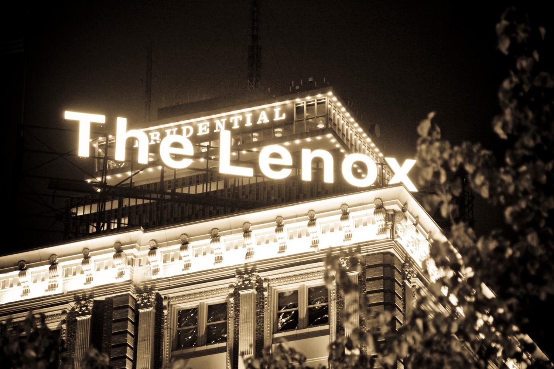 "Hotels In Boston >> The Lenox Hotel in Boston Hosts Hunt Slonem Satellite Show: ""Nature. Nurtured"""