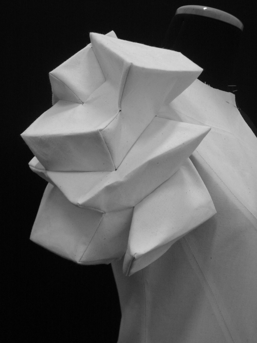 A Shingo Sato Sleeve DesignShingo Designs In An Architecturally Sculptural Process Which Yields Many Effects From Ribbon Like Insets To Boxes