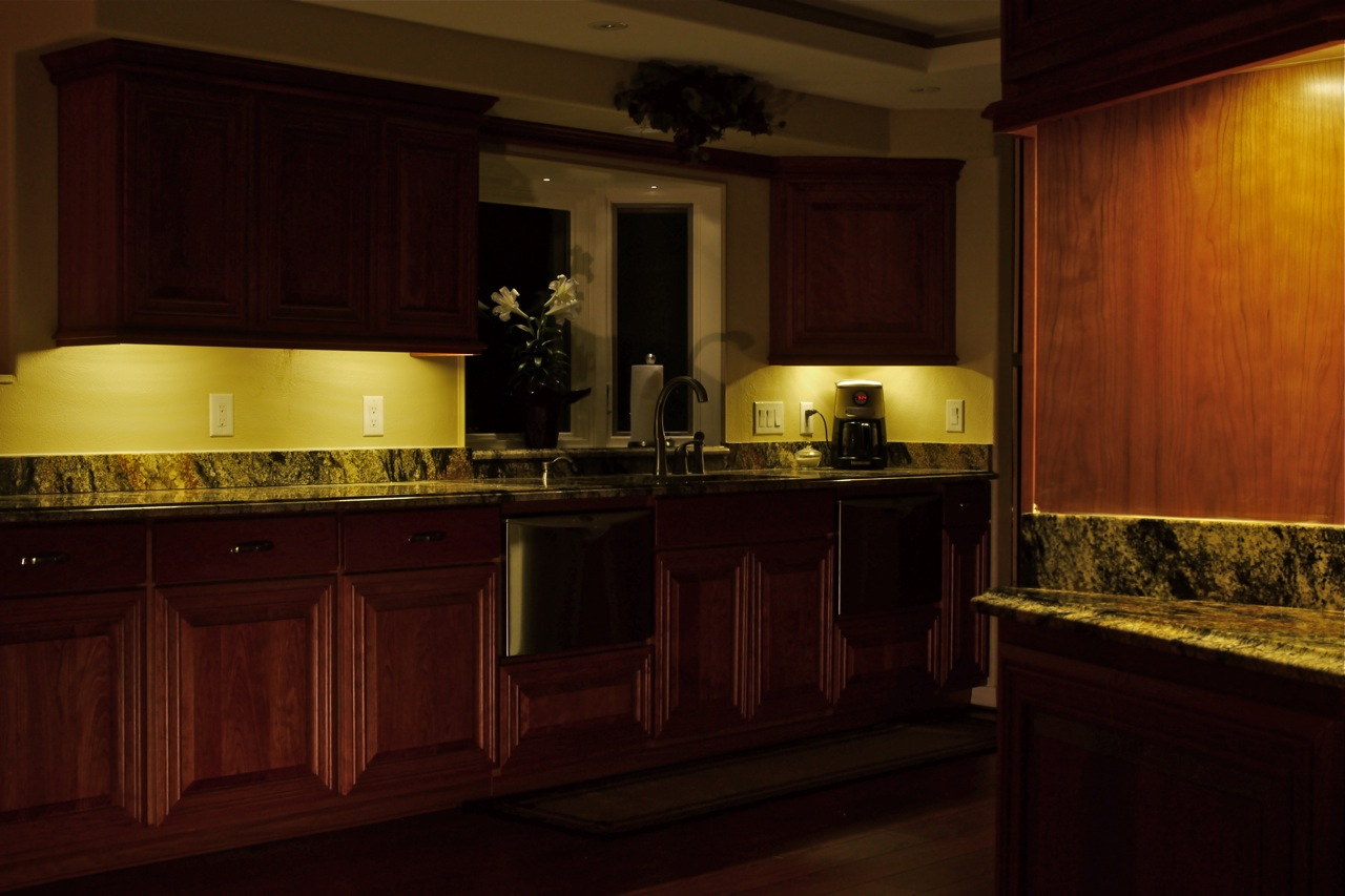DEKOR LED Under Cabinet Lights, Dimmable And Energy Efficient
