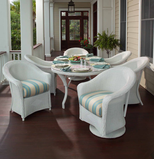 Lloyd Flanders Wicker Patio Setslloyd Has A Variety Of Sofas Loveseats Club Chairs Rocking Chairore