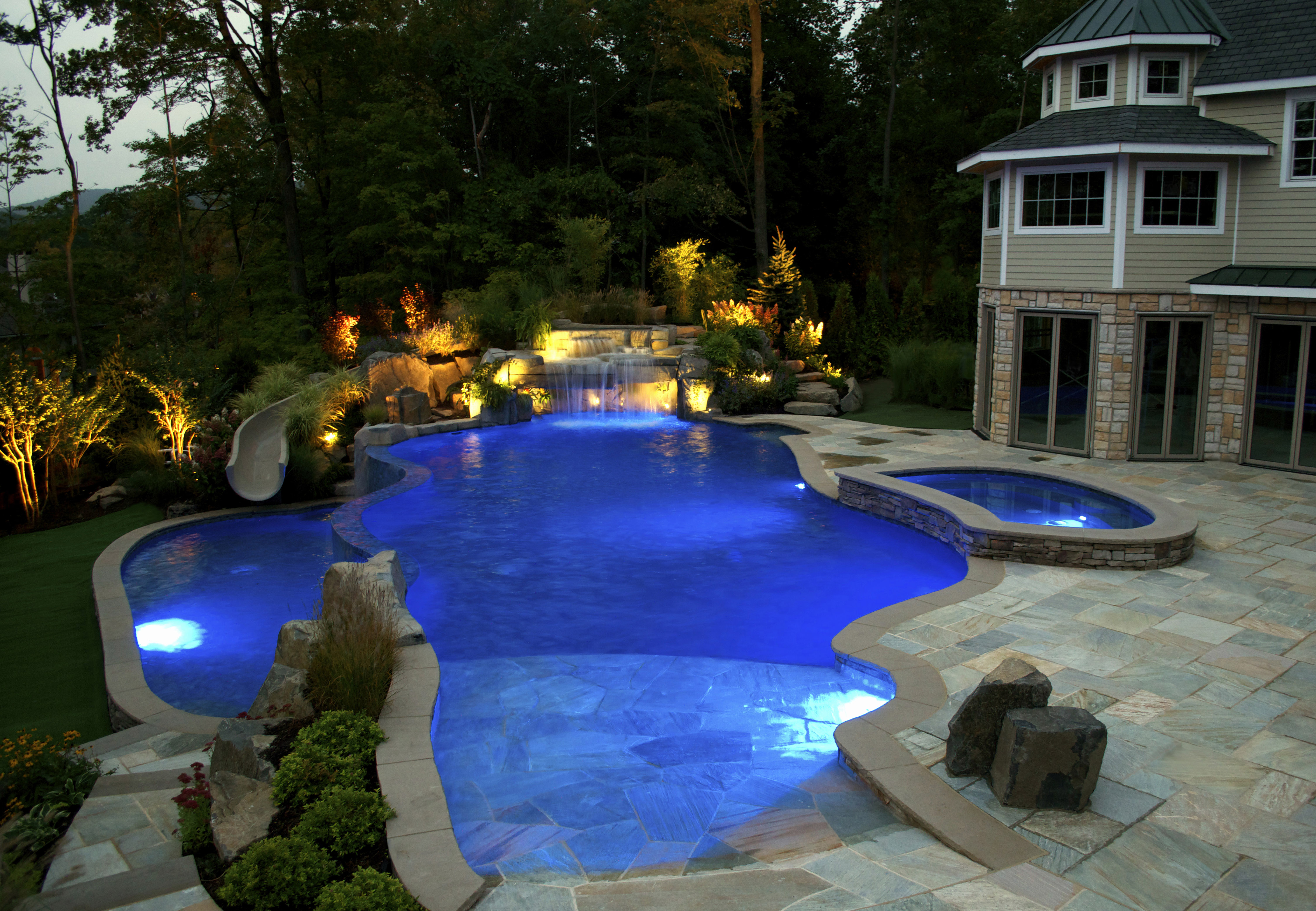 Nj pool company debuts new pool features for luxury for Pool designs under 30000