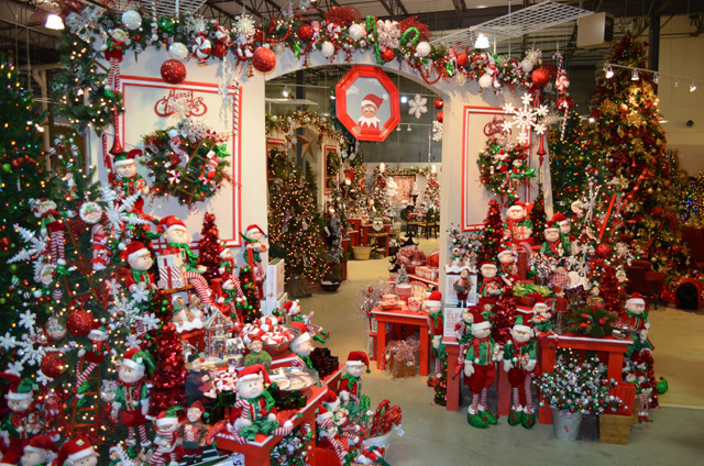 treetime christmas creations showroomtreetimes 50000 sqft christmas showroom in lake barrington il treetime artificial christmas trees - Fully Decorated Artificial Christmas Trees