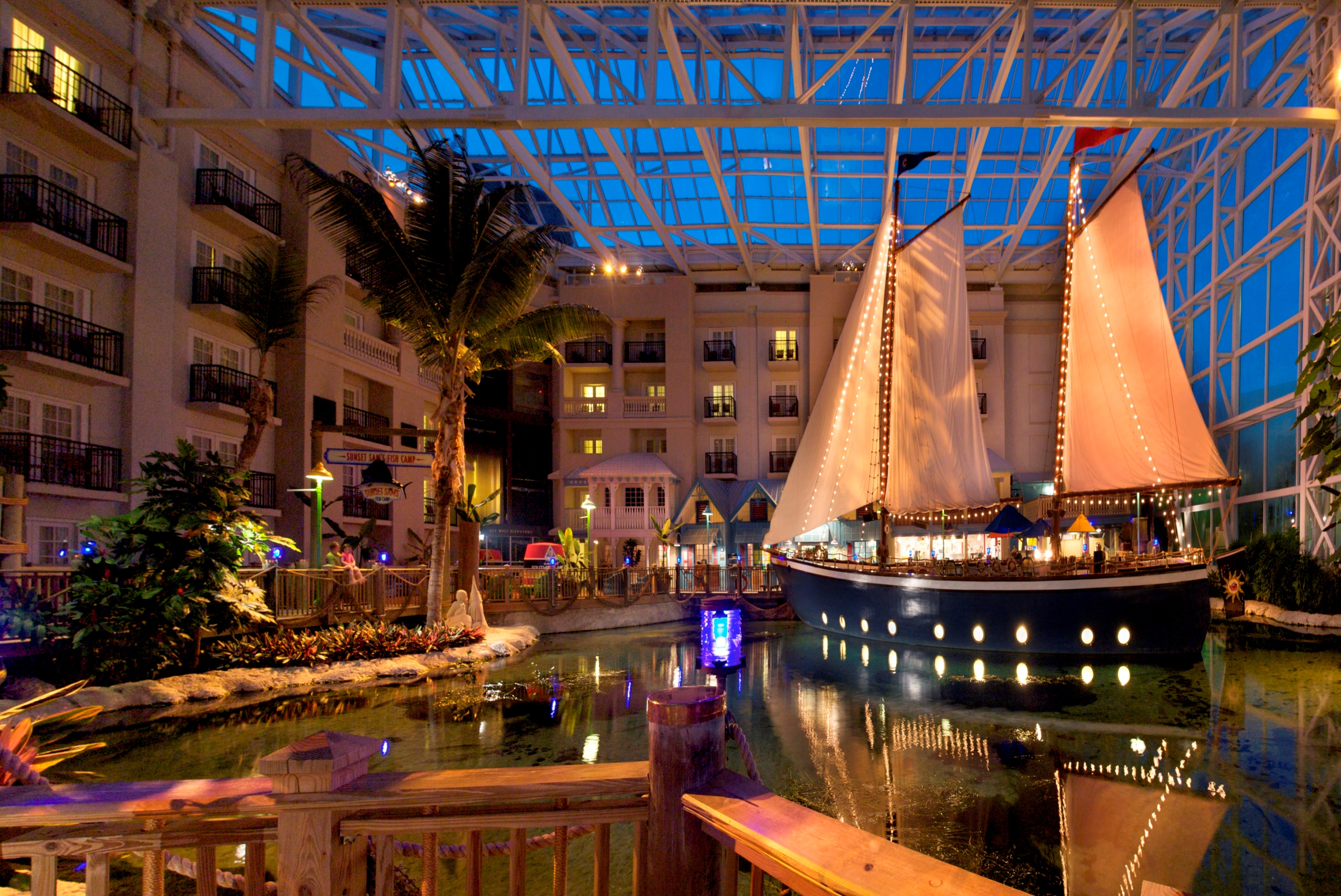 Winter Weekend Getaway Package From Gaylord Hotels Chases