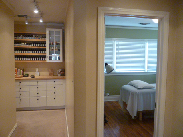 Ebbert Acupuncture Celebrates 5 Years in Los Angeles