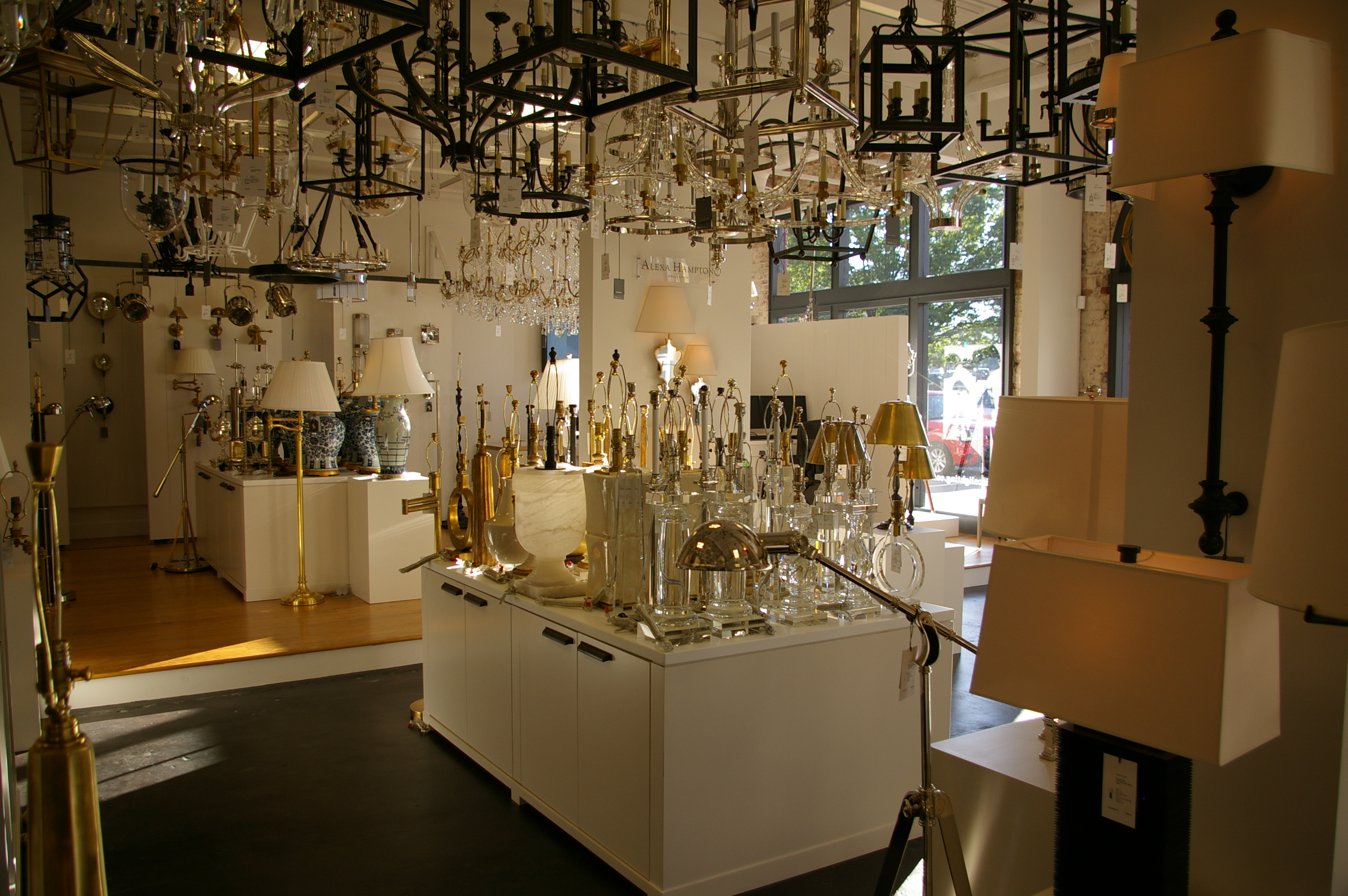 Circa Lighting Opens New Showroom In