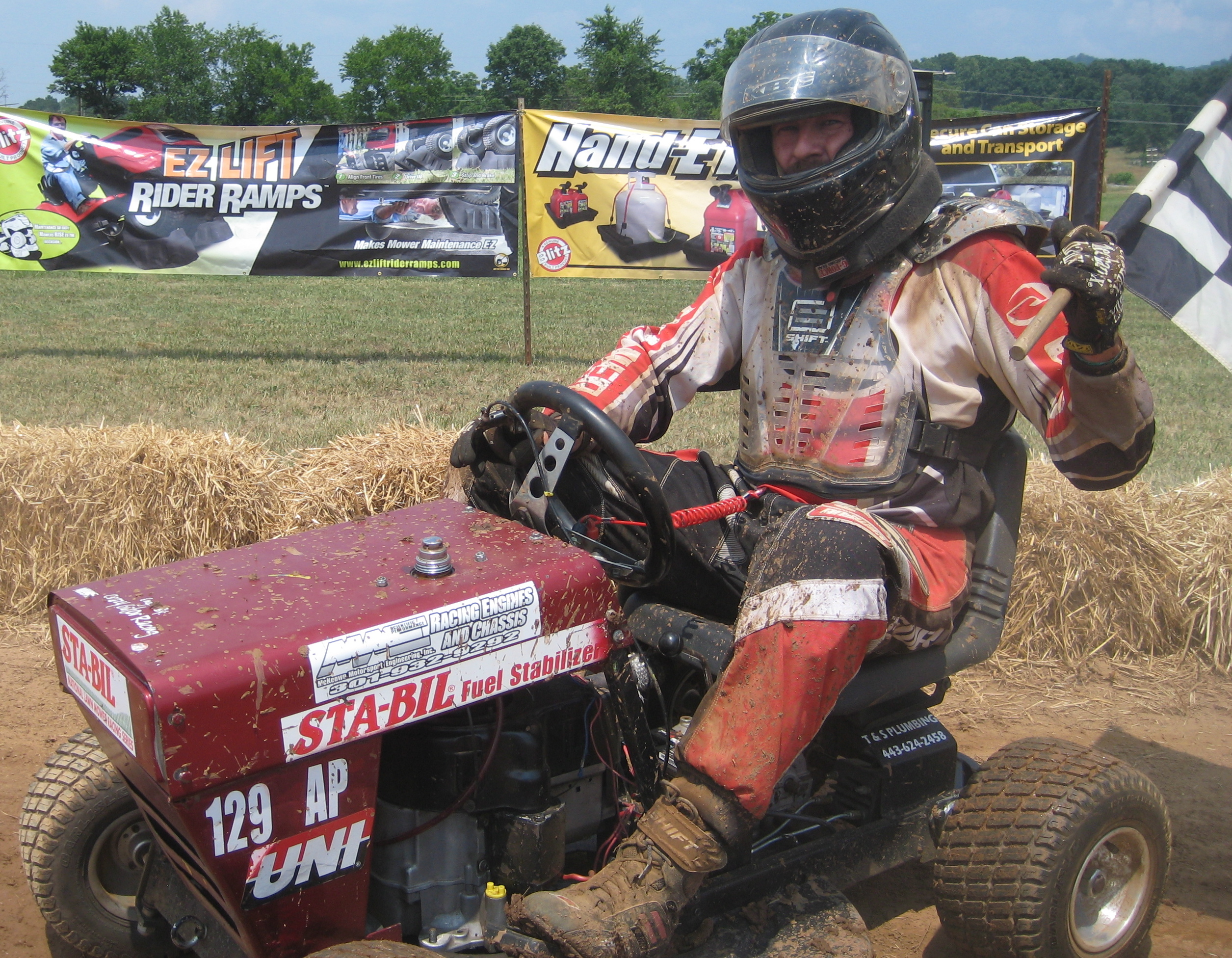 Gold Eagle S Engine Answerman Powers World S Fastest Lawn Mower To Maryland For Sta Bil National Lawn Mower Racing Series