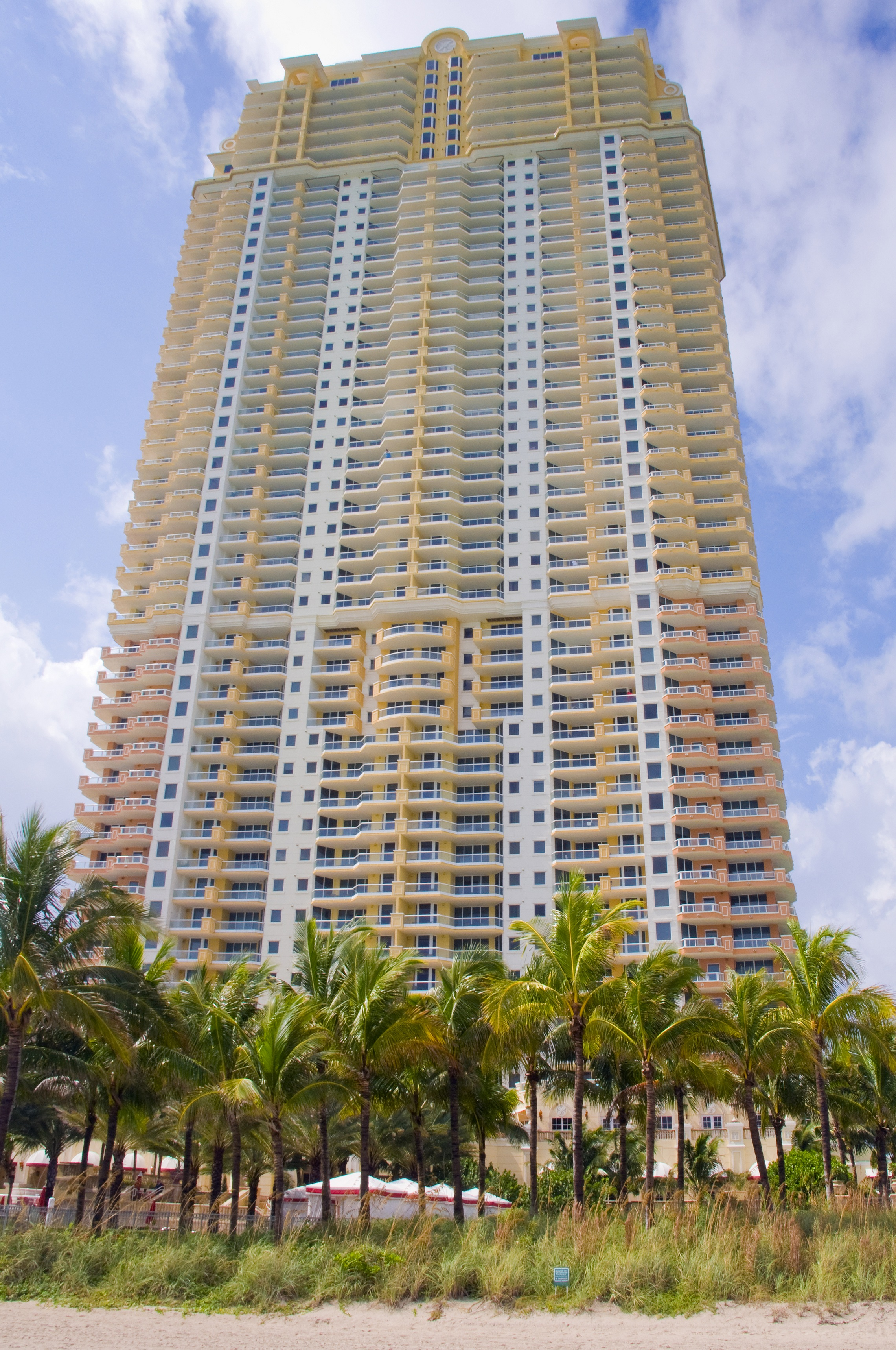 Acqualina Miami Beach Condo Sells For Record 963 Per
