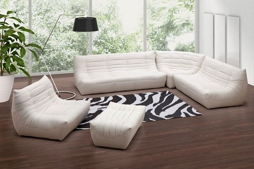 Carnival Leatherette Sectional Living Room Set From Zuo In White