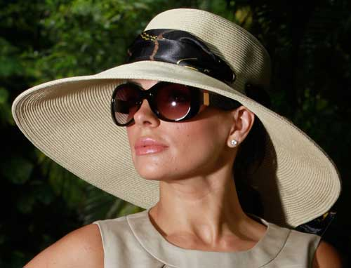 In Looking for Style  The Eyes Have It Sunglasses Inspired by ... 66b5154e679