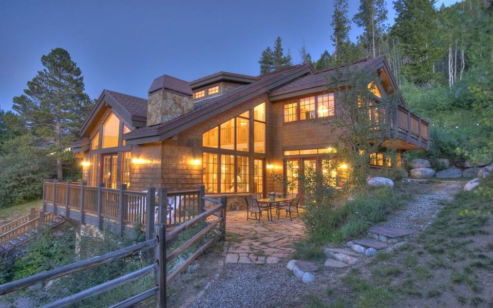 Eagle vail colorado mountain retreat up for absolute for Mountain home plans colorado