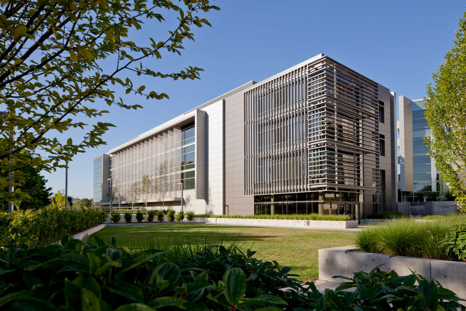 Cambridge Architectural Solar Shading Contributes To Leed