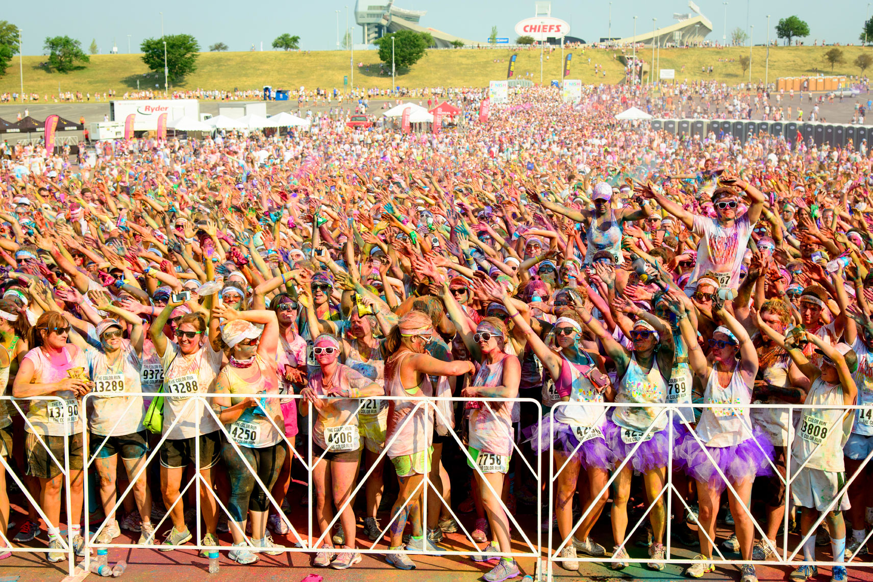 the color run 5k event impacts tens of thousands