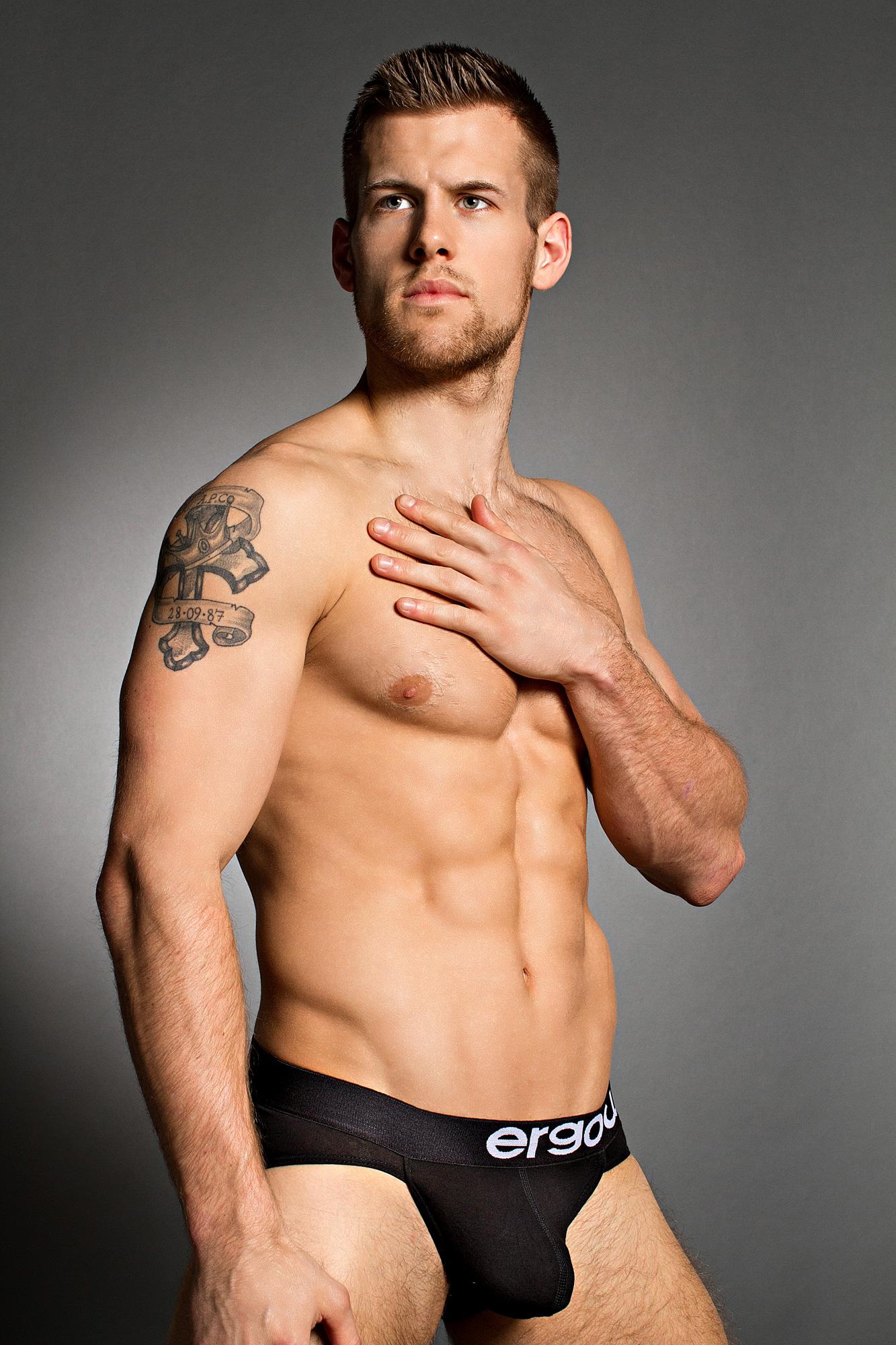 Most Sexiest Wet Guys IV   Fashion of Mens Underwear.