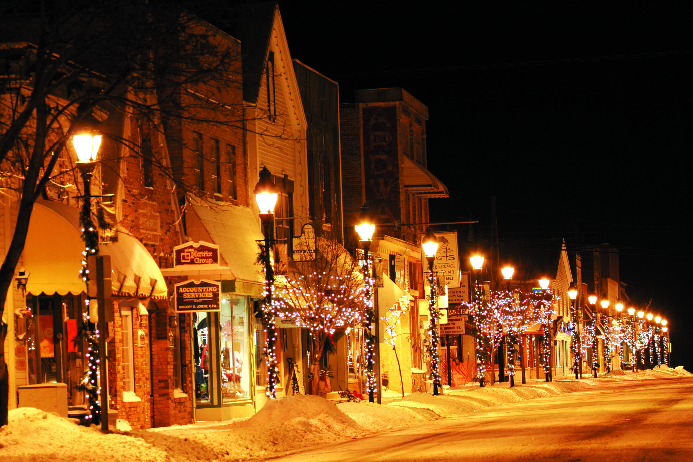 Winter Evening In The Village Of Bellaire Model Trains At Traverse City S