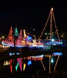 Ilwaco, lighted boat parade, crab pot christmas tree, charter fishing, santa claus, mrs. claus, frosty the snowman, historic fishing village, port, long beach peninsula, washington coast, holiday event, free event
