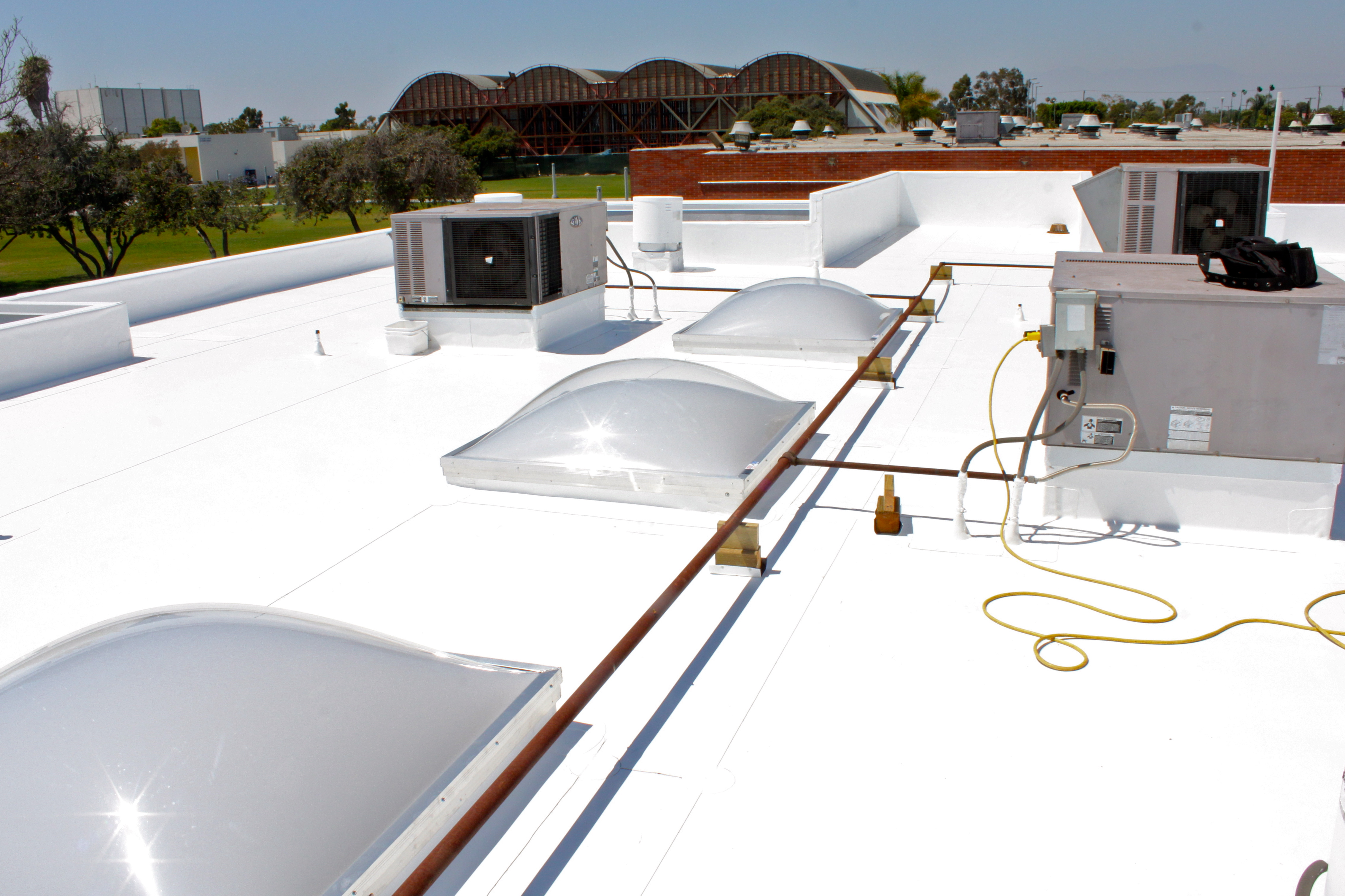 Los Angeles Roofing Contractor Achieves Modern Roofing