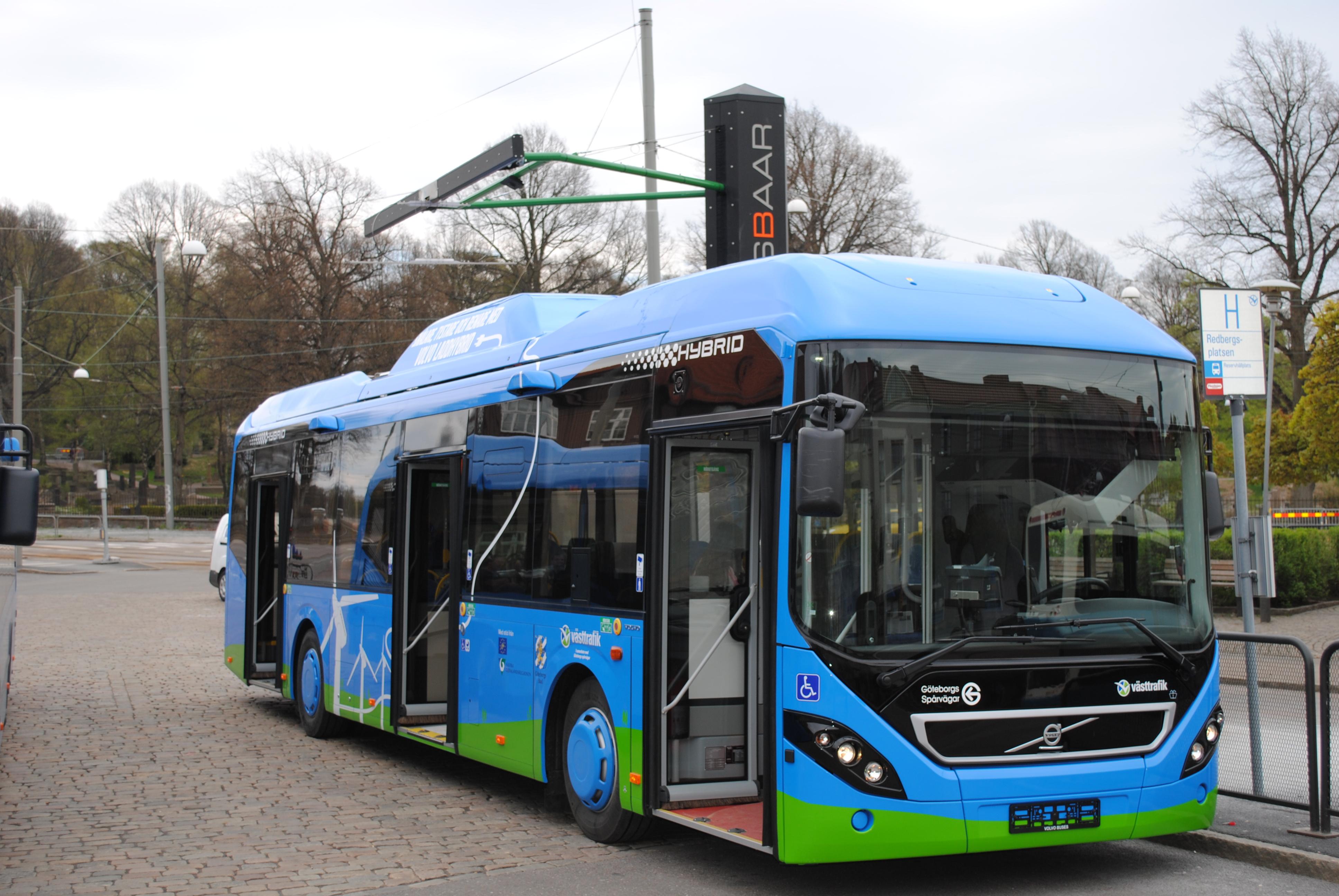 Opbrid Bůsbaar Begins Charging Volvo Plug In Hybrid Buses