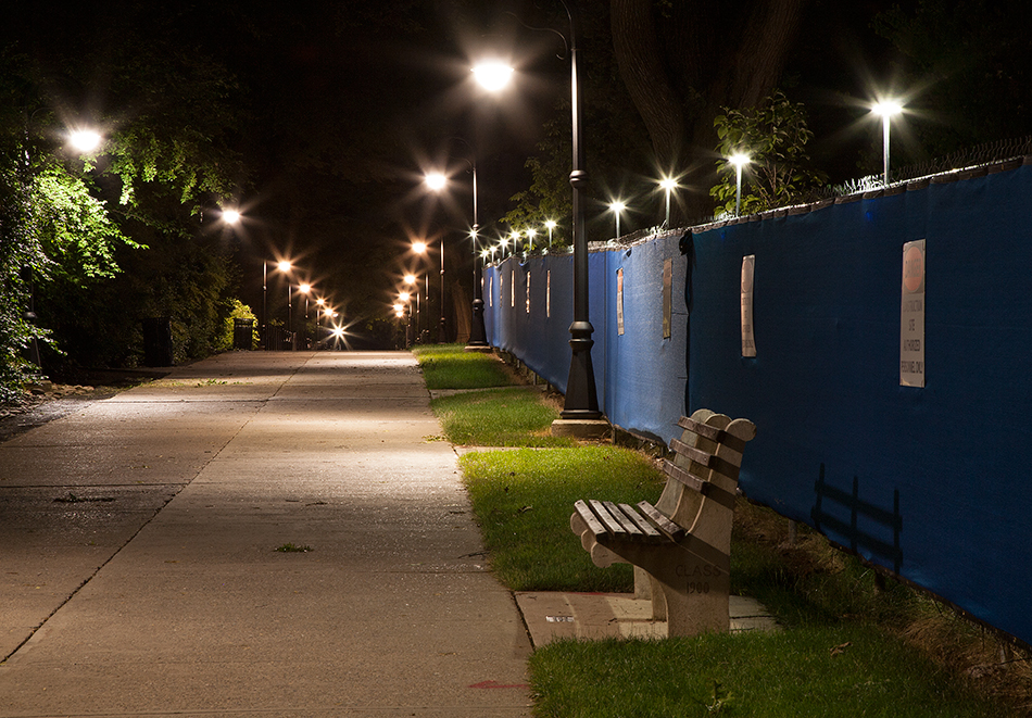 portable led perimeter lighting retrofit for construction sites